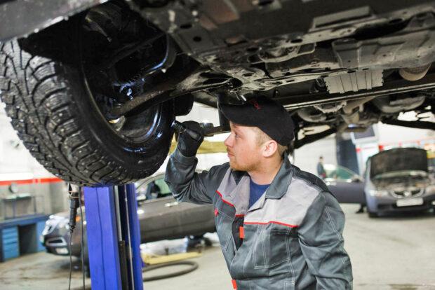 Техническое обслуживание автомобиля в автотехцентре Автодром